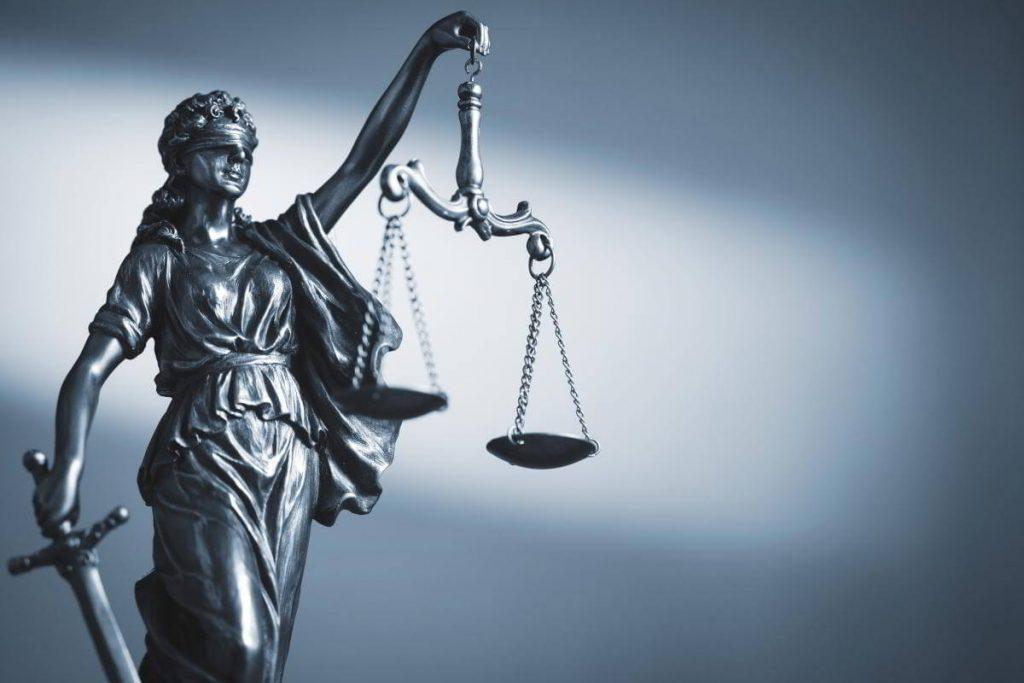 Odszkodowanie za niesłuszne oskarżenie lub zarzuty